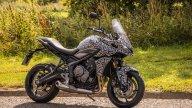Moto - News: EMBARGO H 13:00 - Triumph Tiger Sport 660, la famiglia tre cilindri si allarga