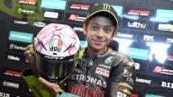 MotoGP: FOTO E VIDEO - Fiocco rosa per Valentino: ecco il casco di Misano