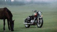 Moto - News: Royal Enfield Classic 350, la bobber che fa un ritorno al futuro