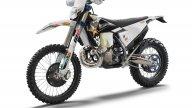 Moto - News: Husqvarna TE 300i e FE 350 Rockstar Edition, le rockstar enduro
