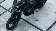 Moto - News: Triumph Tiger 900 Bond Edition, la moto dello 007 che non muore mai