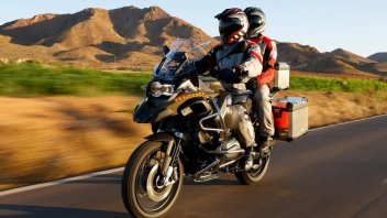 BMW svela la R1200 GS Adventure 2014