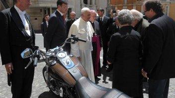 Moto - News: L'Harley-Davidson di Papa Francesco all'asta per far beneficenza alla Caritas