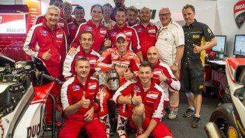 Dovizioso tiene in scacco la Ducati