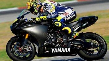 Rossi presto in pista con la nuova R1