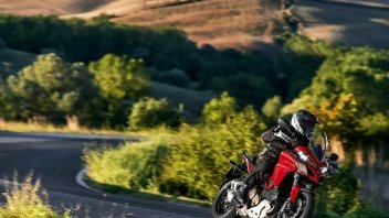 Moto - News: Ducati Dream tour 2015: 5 weekend in Rosso