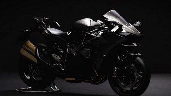 Kawasaki, livrea 'total black' per la H2 my16