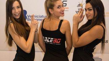 EICMA 2015: ragazze in passerella