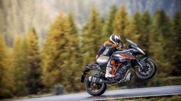 KTM SuperDuke GT: adrenalina a lungo raggio
