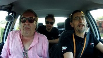 Carlo Pernat nella GPOnecar con Paolo Scalera e Matteo Aglio