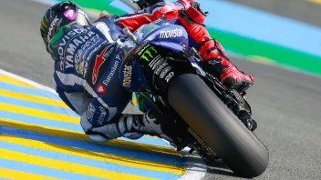 Lorenzo domina, Rossi e Vinales sul podio