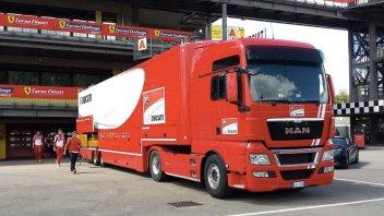 Il camion Ducati ieri al Mugello (Foto Mugello Circuit)
