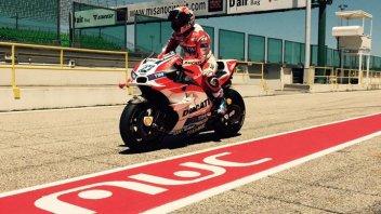 FOTO: Stoner sulla Ducati a Misano