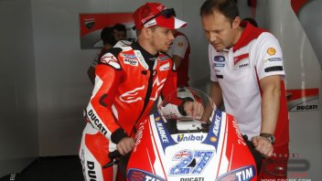 VIDEO. Stoner in action on the Ducati GP16 at Misano