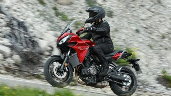 Yamaha Tracer 700: media superiore