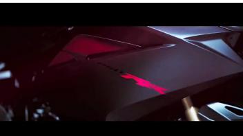 Honda CBR250RR: un teaser della piccola SBK replica