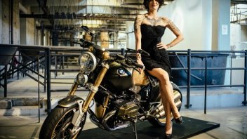 BMW R nineT Tattoo: realizzata da Manzo, in expo a TATTOO Forever