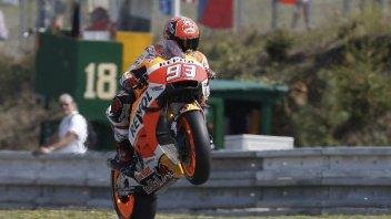 """QP: Marquez in pole """"doppia"""" Rossi e brucia Lorenzo"""