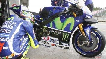 Test Brno: Rossi tests a new frame, Lorenzo no