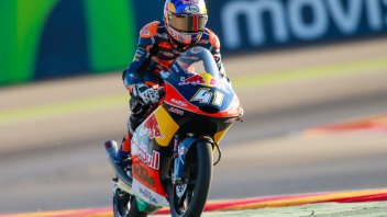 Binder, second, wins world title at Aragon