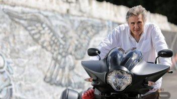 Moto Guzzi MGX-21: la rivoluzione elegante