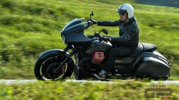 Test: Moto Guzzi MGX-21: la seduttrice