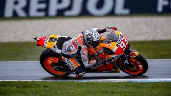 Qualifiche pazze: Marquez in pole, Lorenzo 12°, Rossi 15°