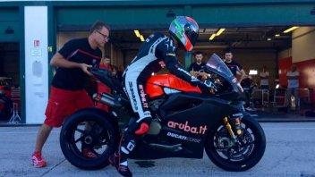 Melandri in pista a Valencia con la Ducati Panigale