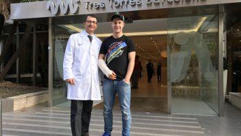 Jonathan Rea undergoes surgery for compartment syndrome