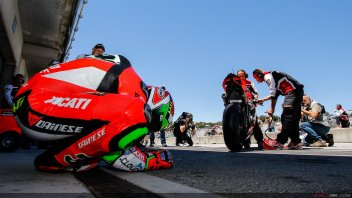Superbike has been brought to its knees? Let's help it back onto its feet!