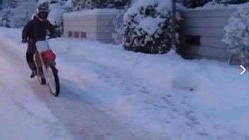 VIDEO. Pedrosa funambolo sulla neve