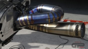 Gli scarichi della Honda RC213-V all'italiana SC-Project