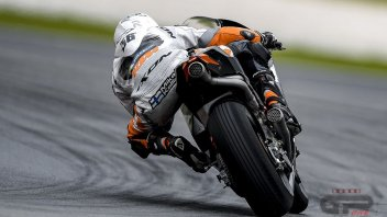 KTM: Kallio at work on 3 frames in Sepang