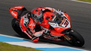 SBK: Phillip Island Test: Melandri amazes, only Rea ahead of him