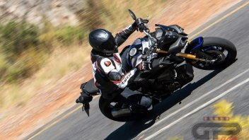Test: Yamaha MT-10, SP vs Tourer: divertimento in doppia veste