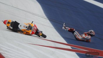 MotoGP: FP3: Tutti in terra, Marquez due volte, ma Vinales migliora