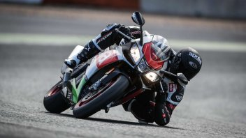 News Prodotto: Guzzi e Aprilia: Eagle Days e V4 Face the Race, i porte aperte