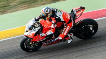 SBK: Davies snatches Superpole from Rea at Aragón