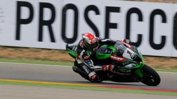 SBK: Davies throws it away, fifth win for Rea. Melandri second