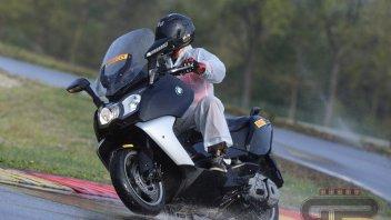 Test: Pirelli per il commuting urbano: Angel e Diablo Rosso Scooter