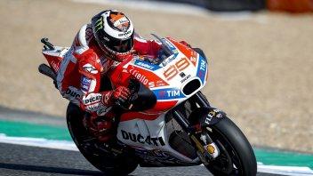 MotoGP: Vinales-Lorenzo, testa a testa al millesimo nel warm-up