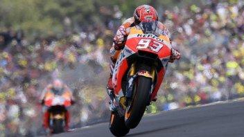 MotoGP: L'asfalto bagnato rallenta la FP1 a Barcellona: 1° Marquez
