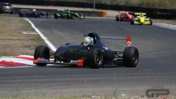 News Prodotto: Il motore dell'Aprilia RSV4 vince una gara... di auto