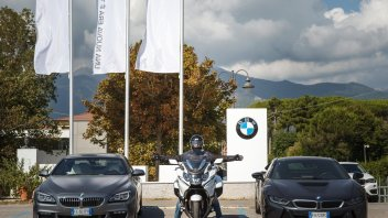 Test: BMW: K1600 GTL vs M760Li xDrive