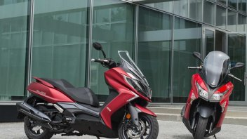 Moto - News: Kymco: nuovi colori disponibili per XTown 300 e Downtown 350