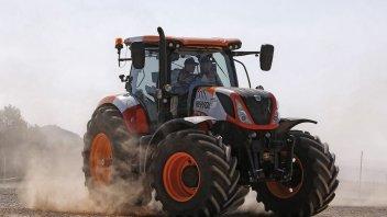MotoGP: Marquez and Pedrosa, racing... tractors