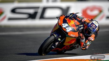 Moto2: Tris di Oliveira a Valencia, Morbidelli 2°