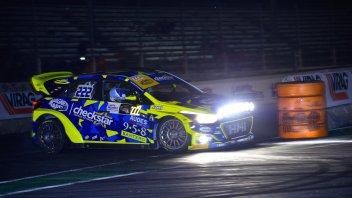 News: Al Motor Show Tony Cairoli tiene alta la bandiera delle due ruote