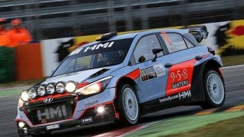 News: Master Show: Rossi fuori in semifinale, trionfano Mikkelsen-Neuville