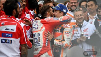 Marquez and Dovi, moments of glory and embraces